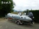 bateau pneumatique semi-rigide